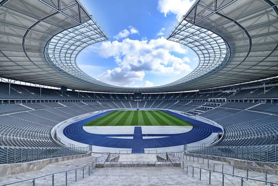 Olympiastadion Berlin Sports Arenas and Historical Monuments  Traveldiggcom