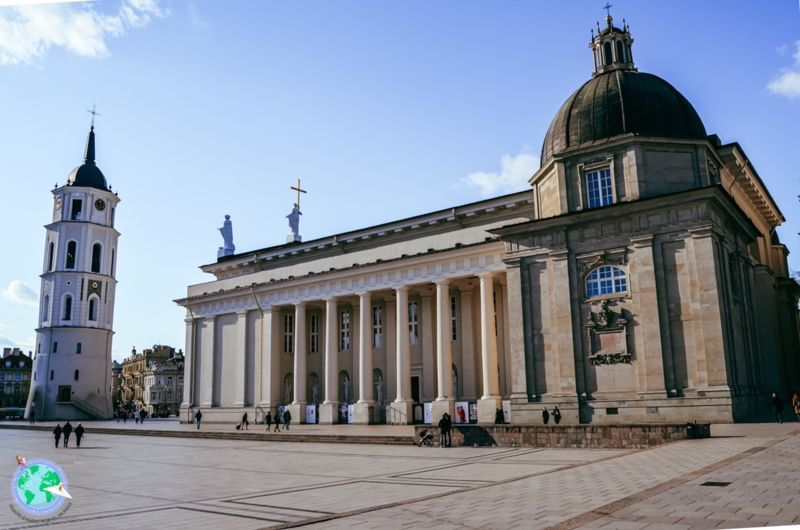 Vilna - Catedral y campanario separado r1