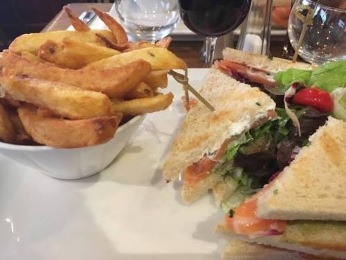 Le comptoir Club Sandwich with salmon