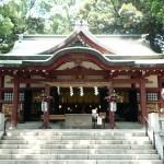 人気沸騰!熱海・来宮神社へのアクセスや駐車場情報をお伝え。