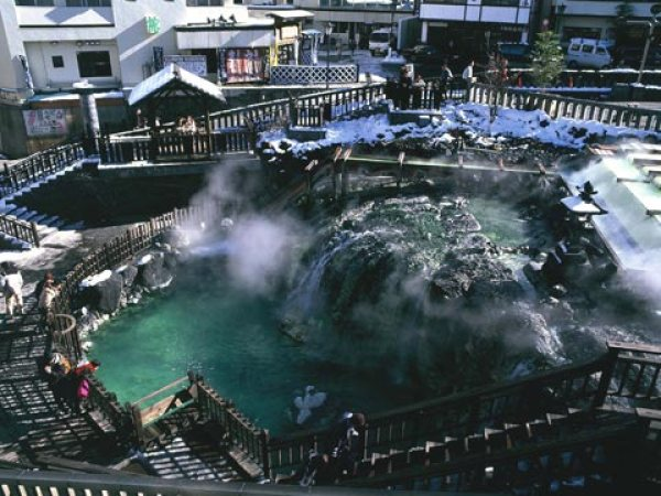 出典:http://www.manza.co.jp/photograph/kusatsu/kusatsu_photo/mimei_yubatake02.jpg