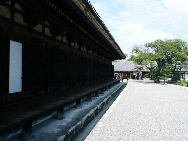 三十三間堂の見どころは「仏像」!御朱印やお守りについても紹介