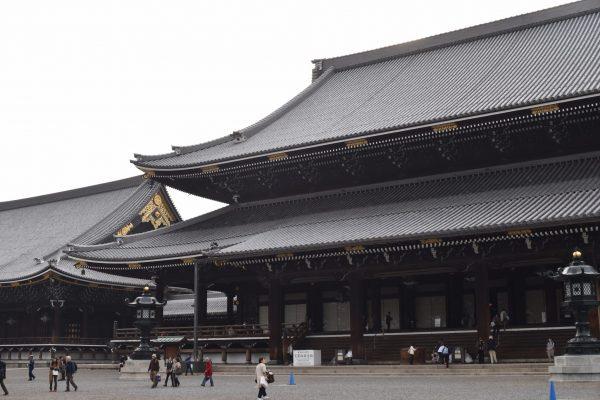 東本願寺の御朱印をご紹介!「おかみそり」って何をするの?