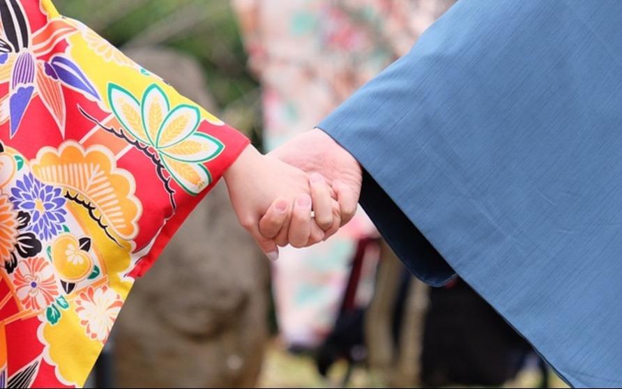 Kimono, Dipuja Kamakura, Dibenci Meiji