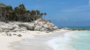 Pantai Grace Bay di Turks dan Caicos, pantai terbaik di dunia.