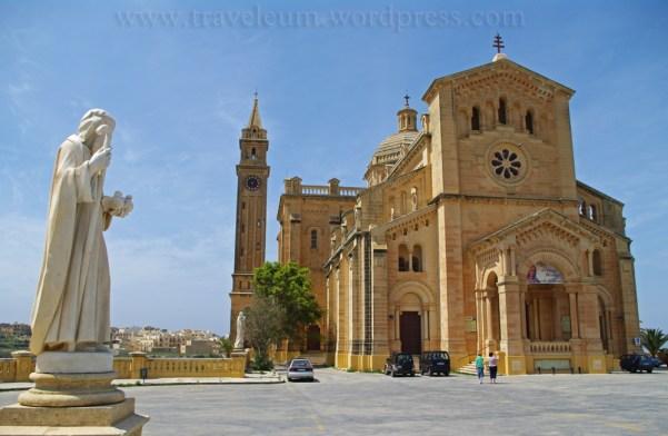Malta - bazylika Da'Pinu na Gozo
