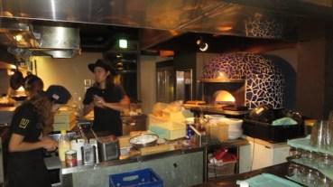 Hotel pizza bar (2)