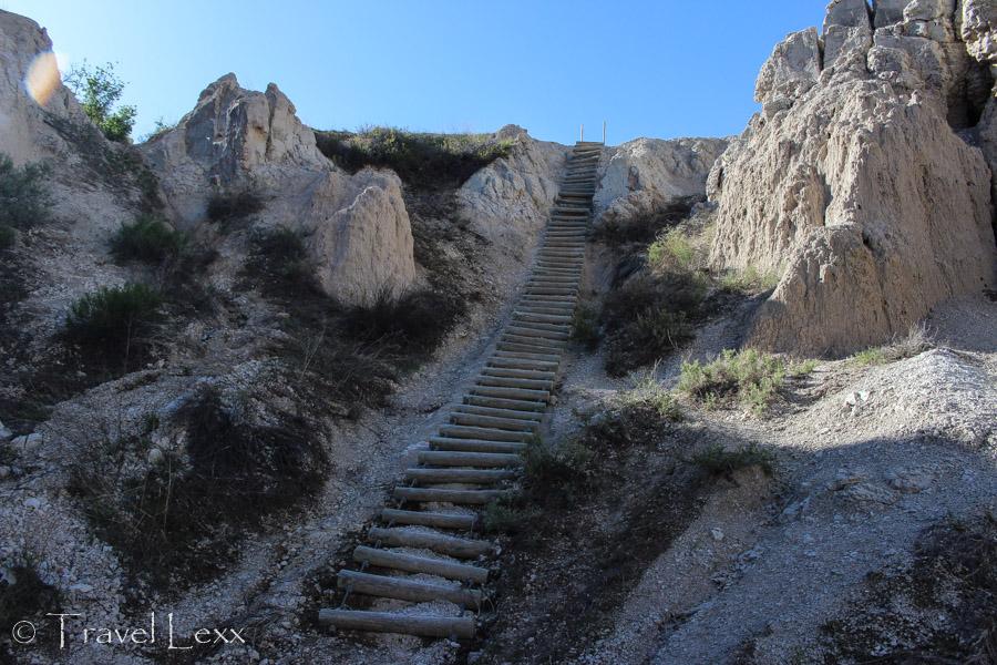 Wooden ladder - Notch Trail