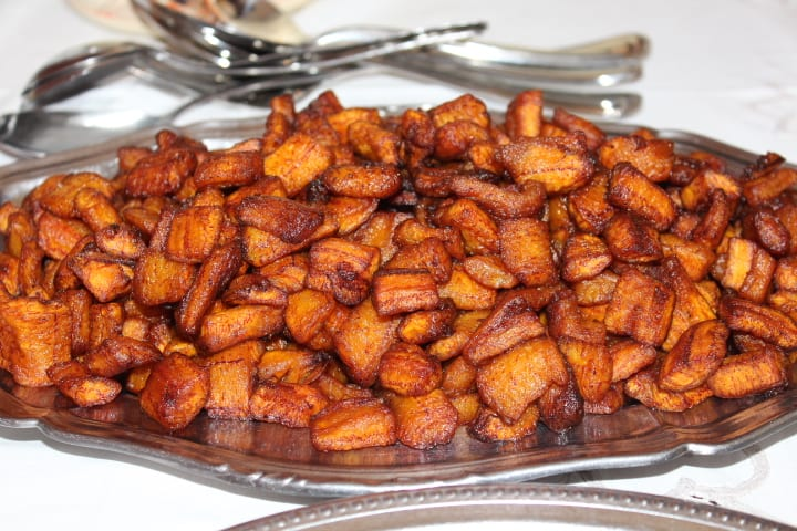 Authentic Ghanaian Kelewele Recipe (Spicy Fried Plantains)