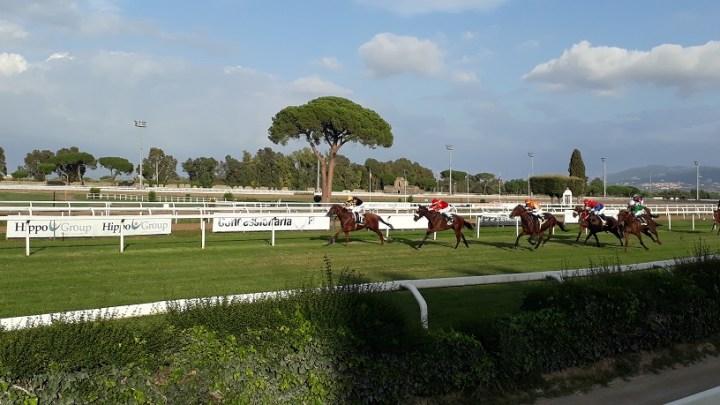 Sunday in Rome, The Racecourse