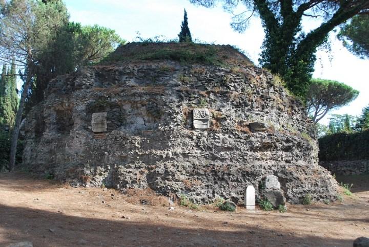 Tomb on Via Appia Antica.