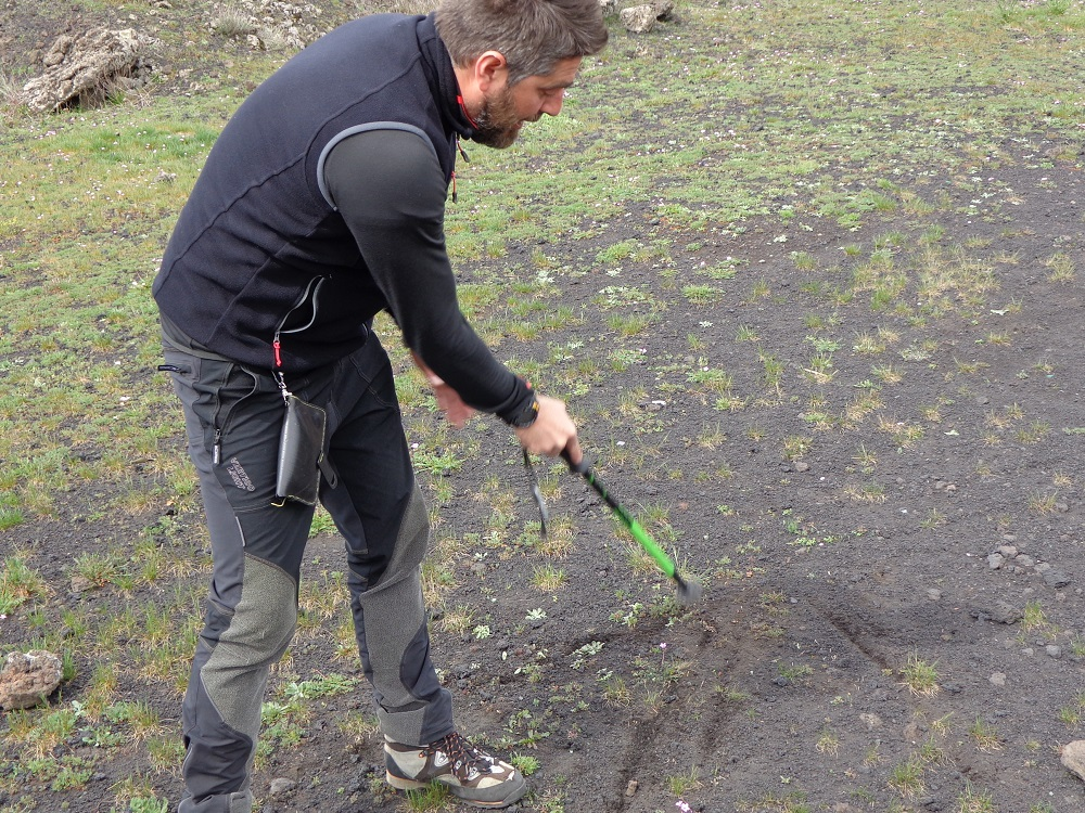 Fabrizio from Etna Moving teaching us about Mount Etna