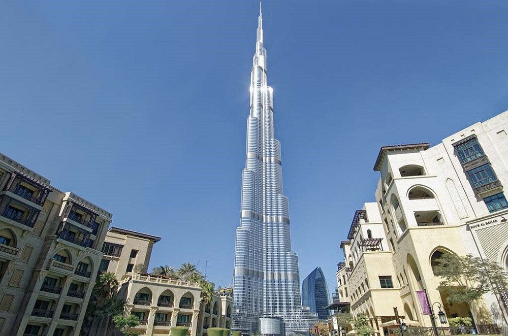Burj Khalifa is the tallest building in the world and one of the musts of your 3 days Dubai itinerary.