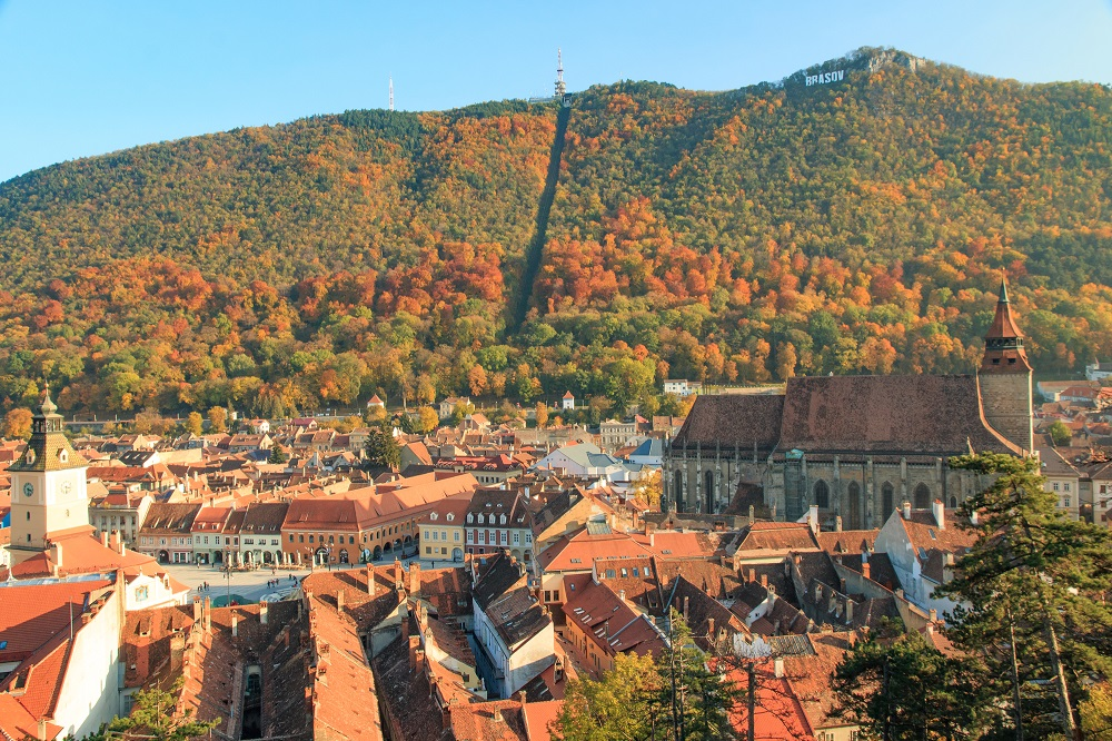 Tampa and the sign of Brasov, a great attraction for your time in the city.