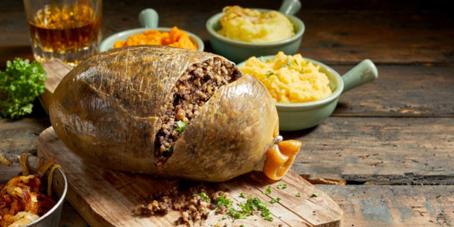 Cooked sliced open haggis, one of the most popular Scottish foods