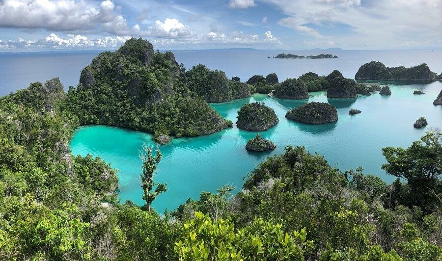 visit raja ampat islands indonesia