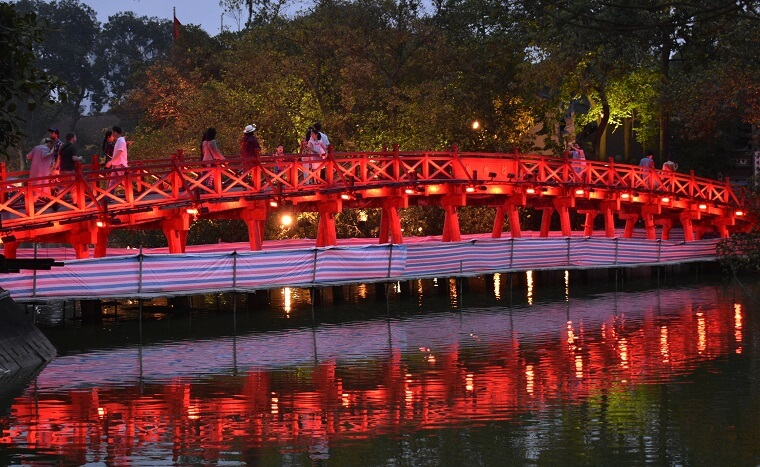 what to see in hanoi vietnam