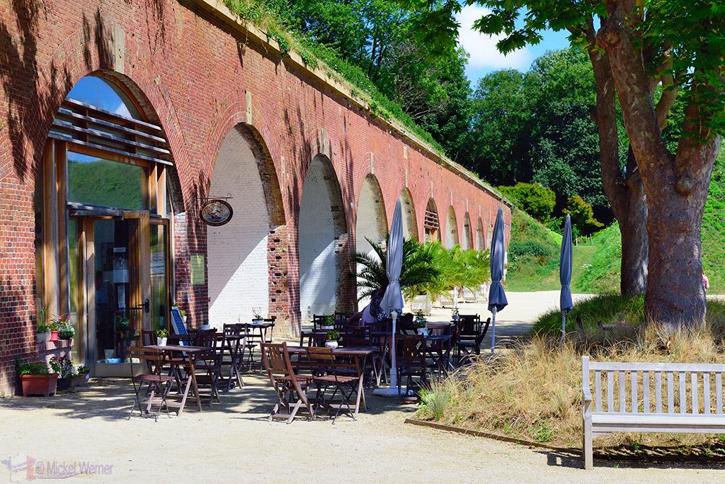 Coffee/Tea room of Jardins Suspendu in Le Havre