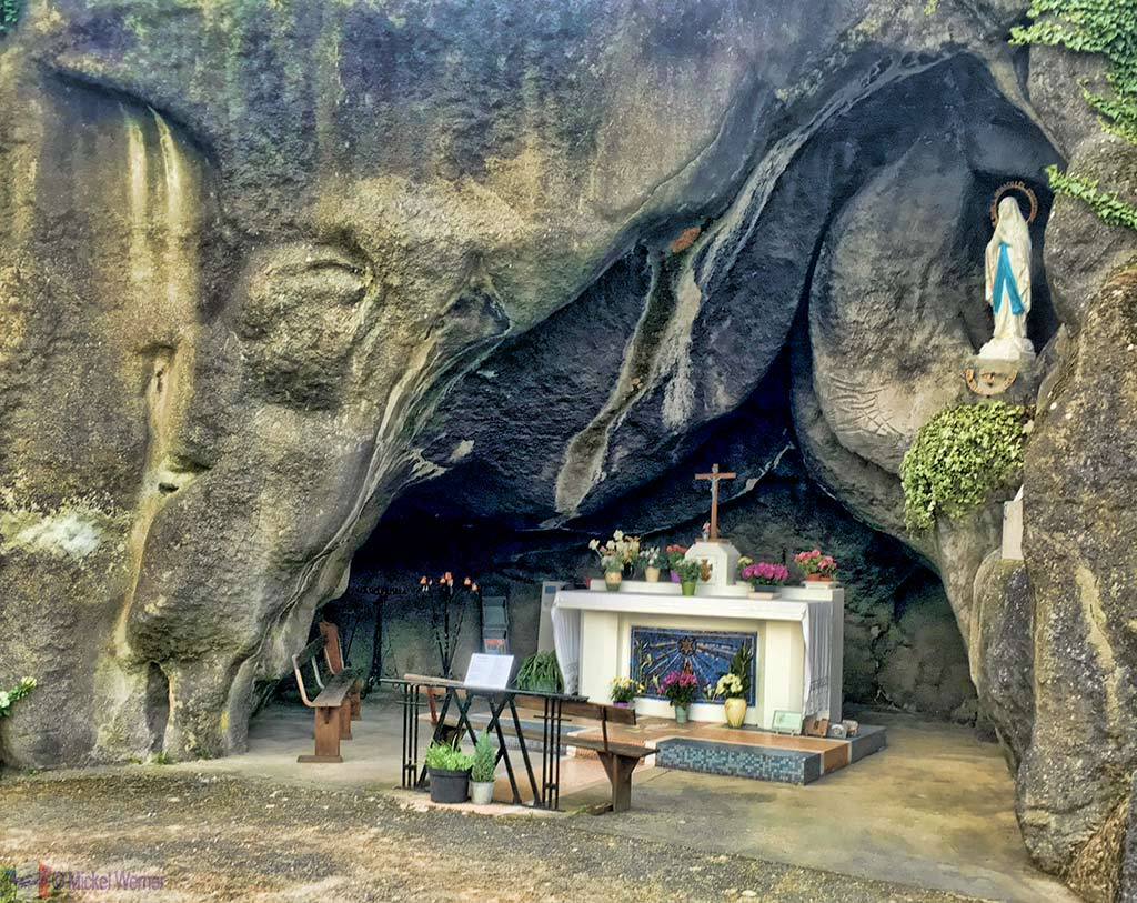 """The """"Lourdes"""" grotto at the Notre-Dame de la Victoire et de la Paix Church in Le Havre"""