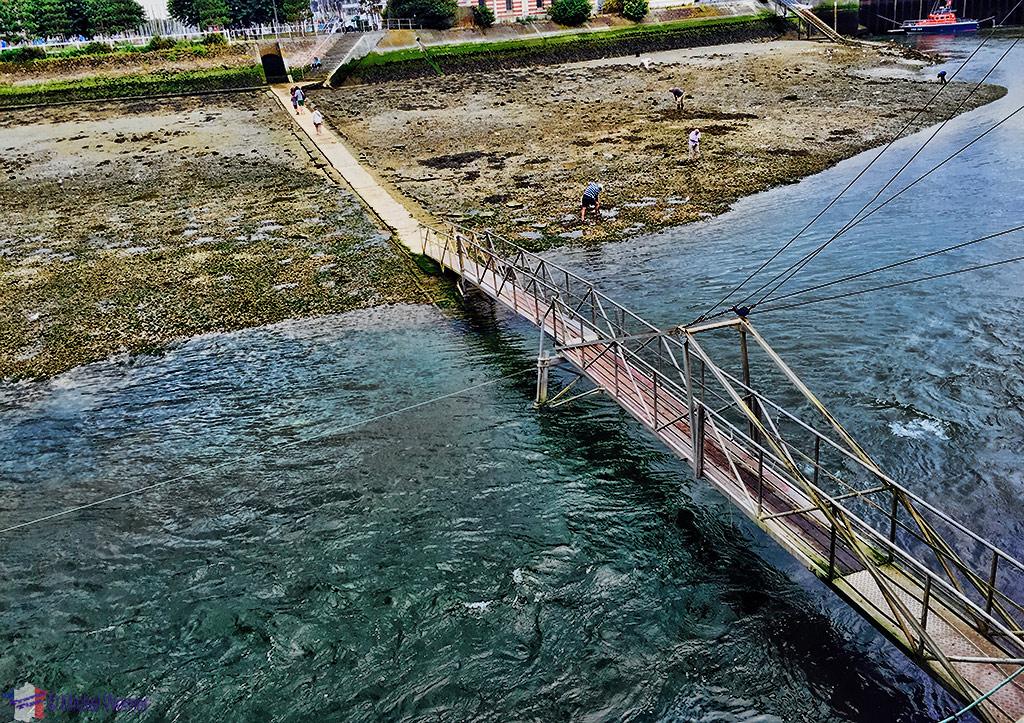 Low tide bridge between Trouville-sur-Mer and Deauville