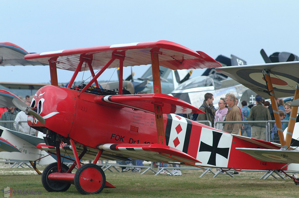 "La Ferte Alais aeronautical show, the ""red baron"" aircraft"