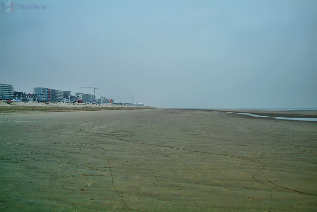 The empty beach pre-race of Le Touquet Enduropale