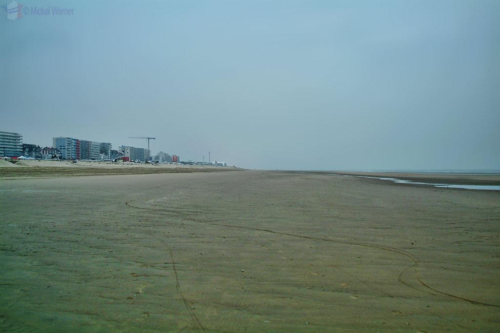 The empty beach pre-race of Le Touquet Enduropale