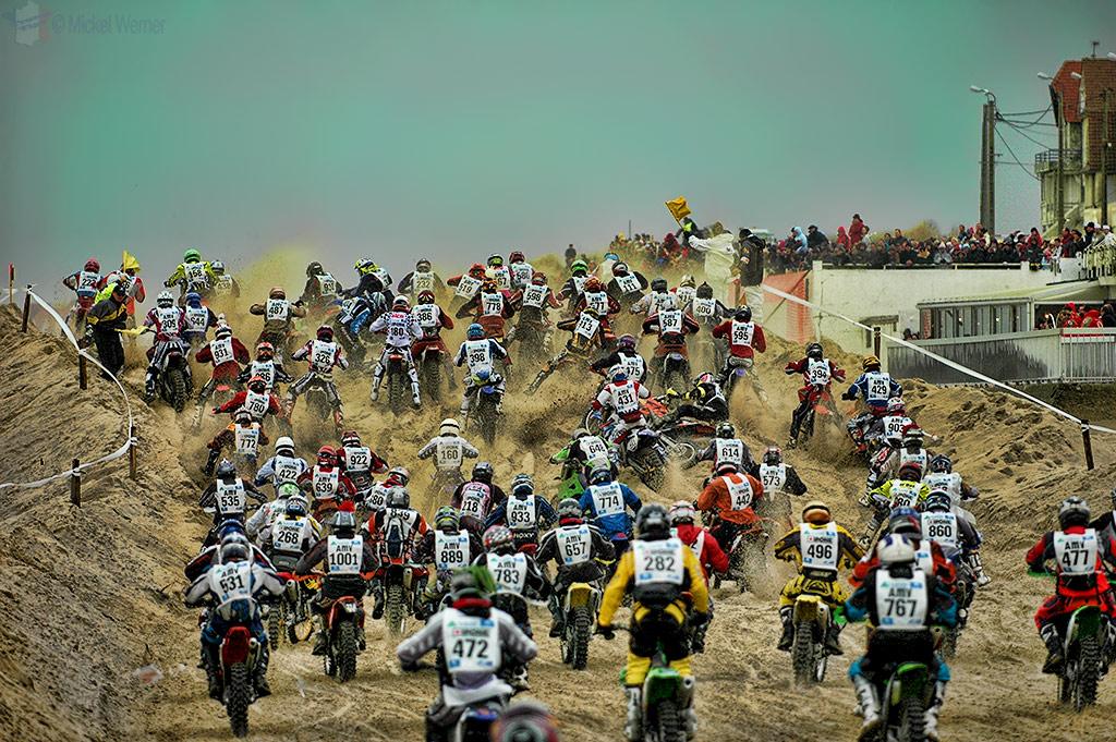1100 motorcycles bottleneck at Le Touquet Enduropale