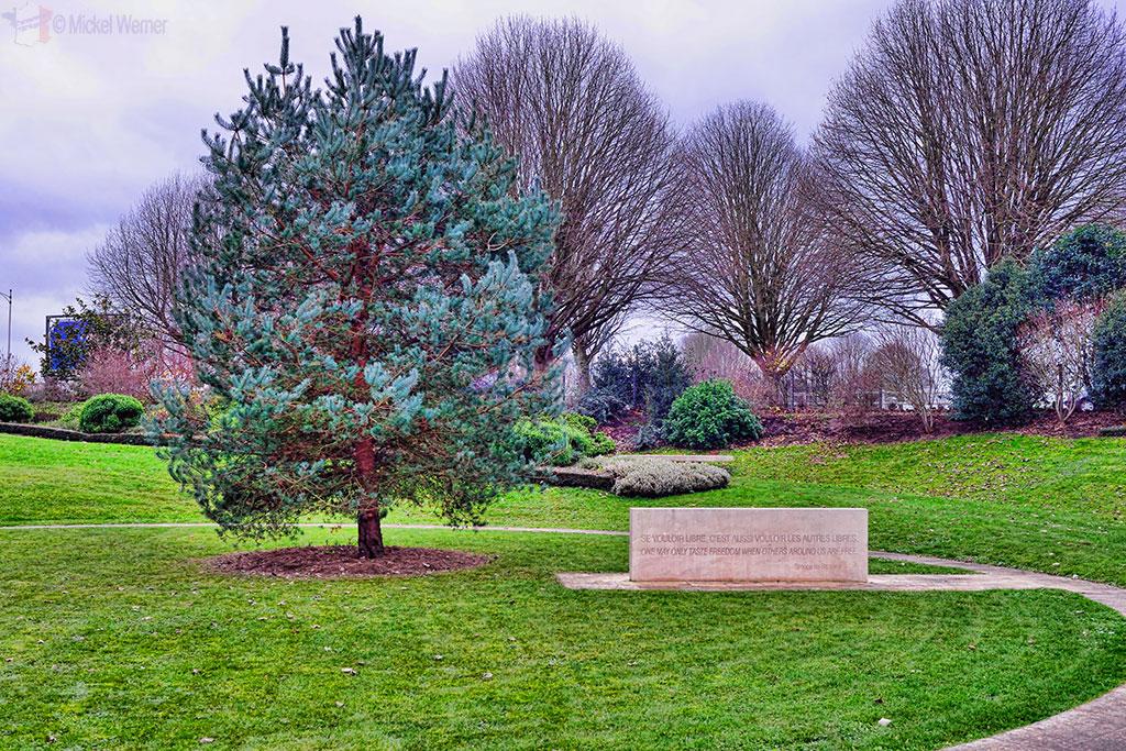 Fallen reporters memorial of Bayeux