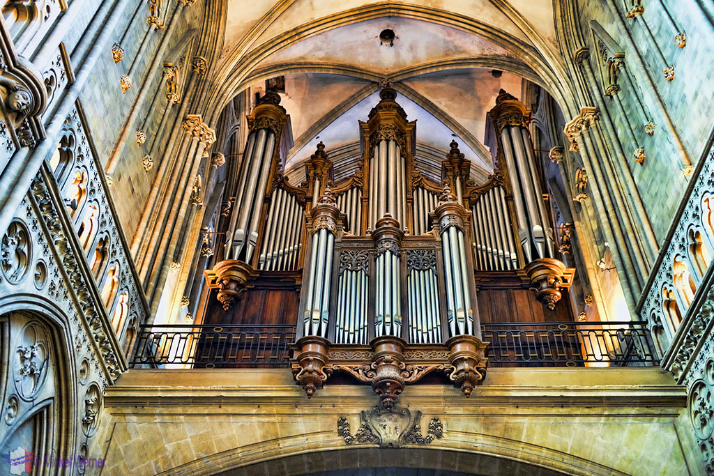 The main organ of the Notre-Dame cathedral of Bayeux