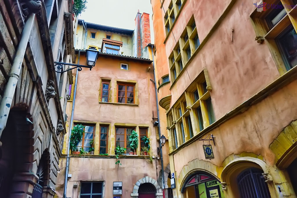 Courtyard inside the old Lyon