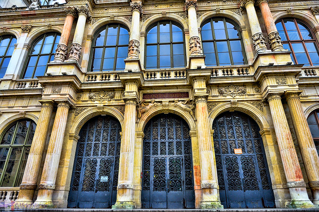 The former stock entrance entrance (Bourse) of Lyon