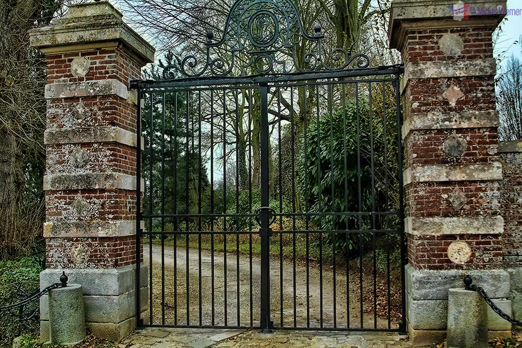 Gate of Malleville les Gres Castle