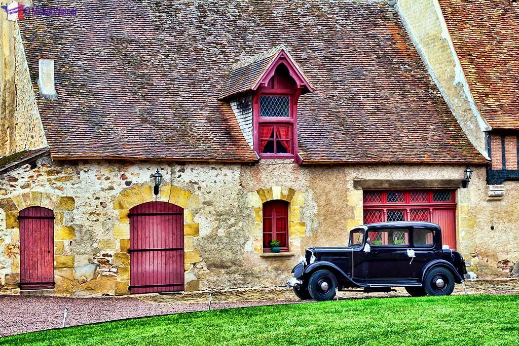 Banquet building of the Vallon-en-Sully Castle -Chateau de Peufeilhoux