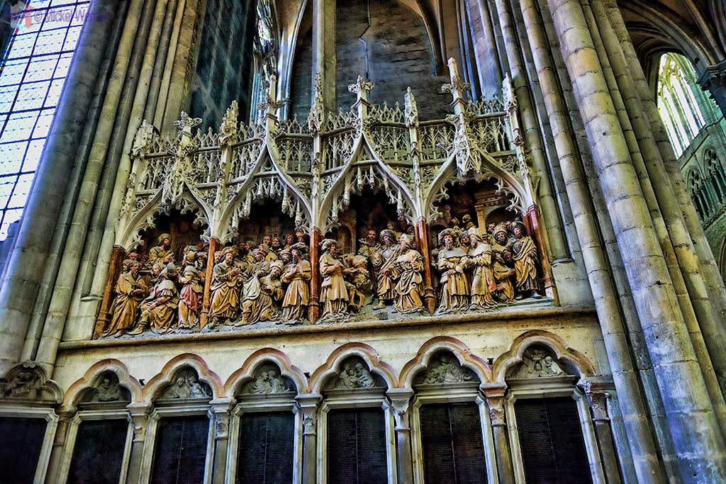Several of many statues to be seen inside the Amiens cathedral