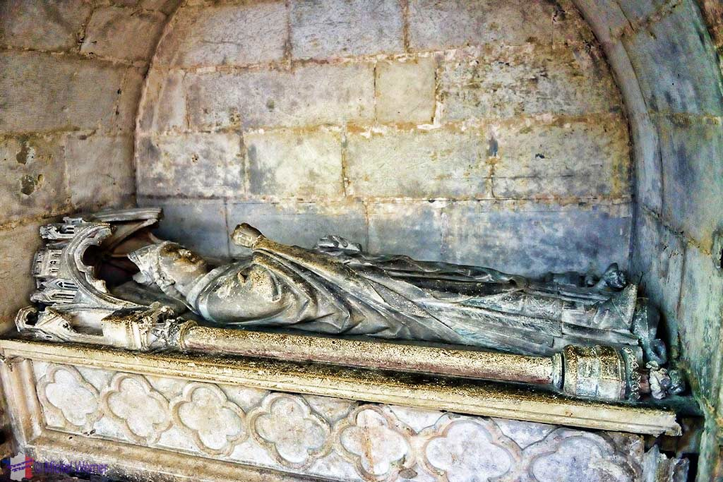 One of several tombs inside the Amiens cathedral, Jean-Baptiste-Marie-Simon Jacquenet, Bishop of Amiens