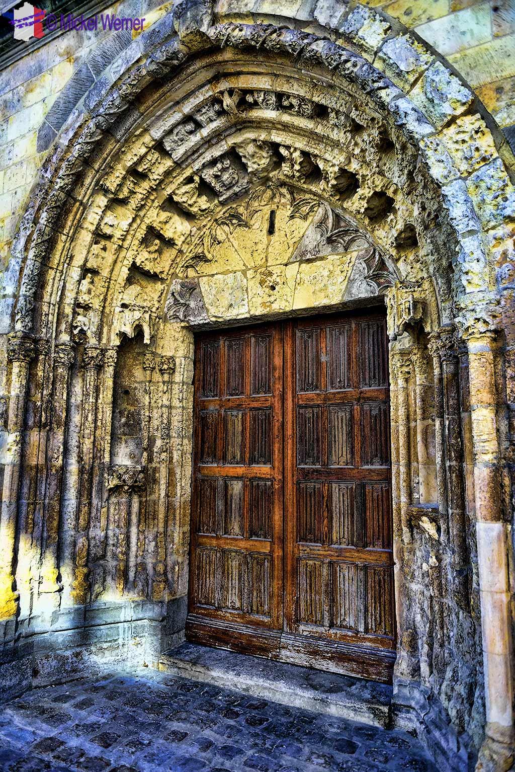 Door of the Saint Leu church of Amiens