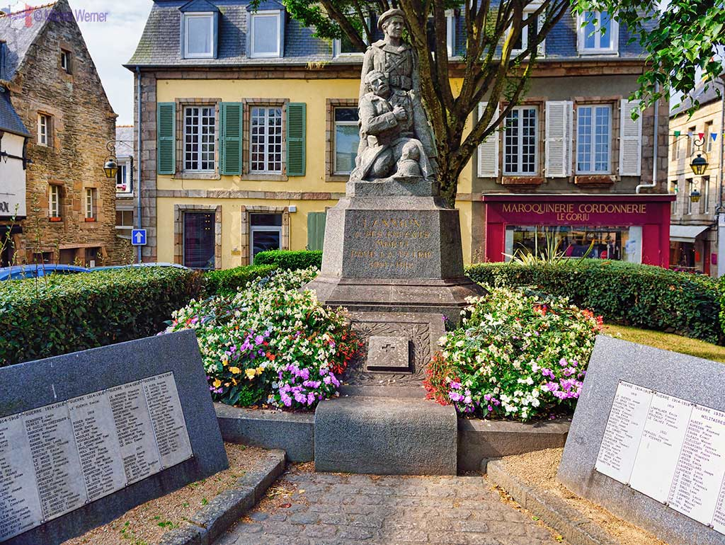 Monument to the fallen French during subsequent wars in Lannion, Brittany