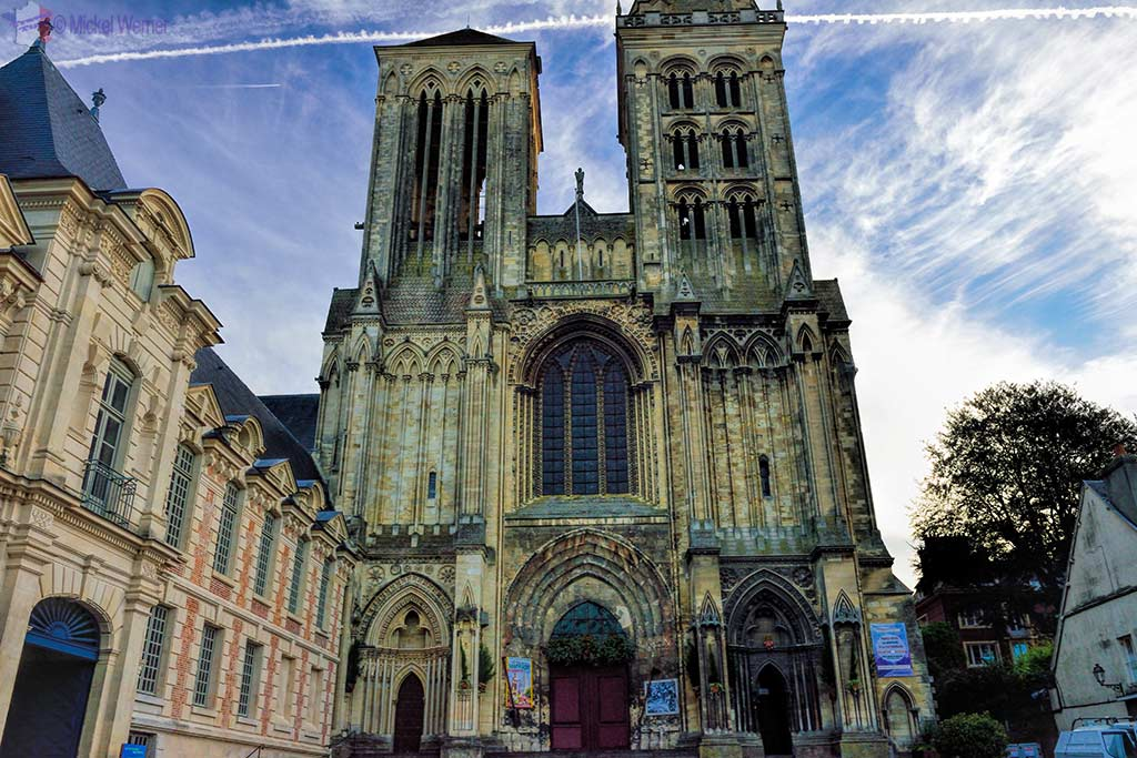 Front of the Saint-Pierre cathedral of Lisieux, Normandy