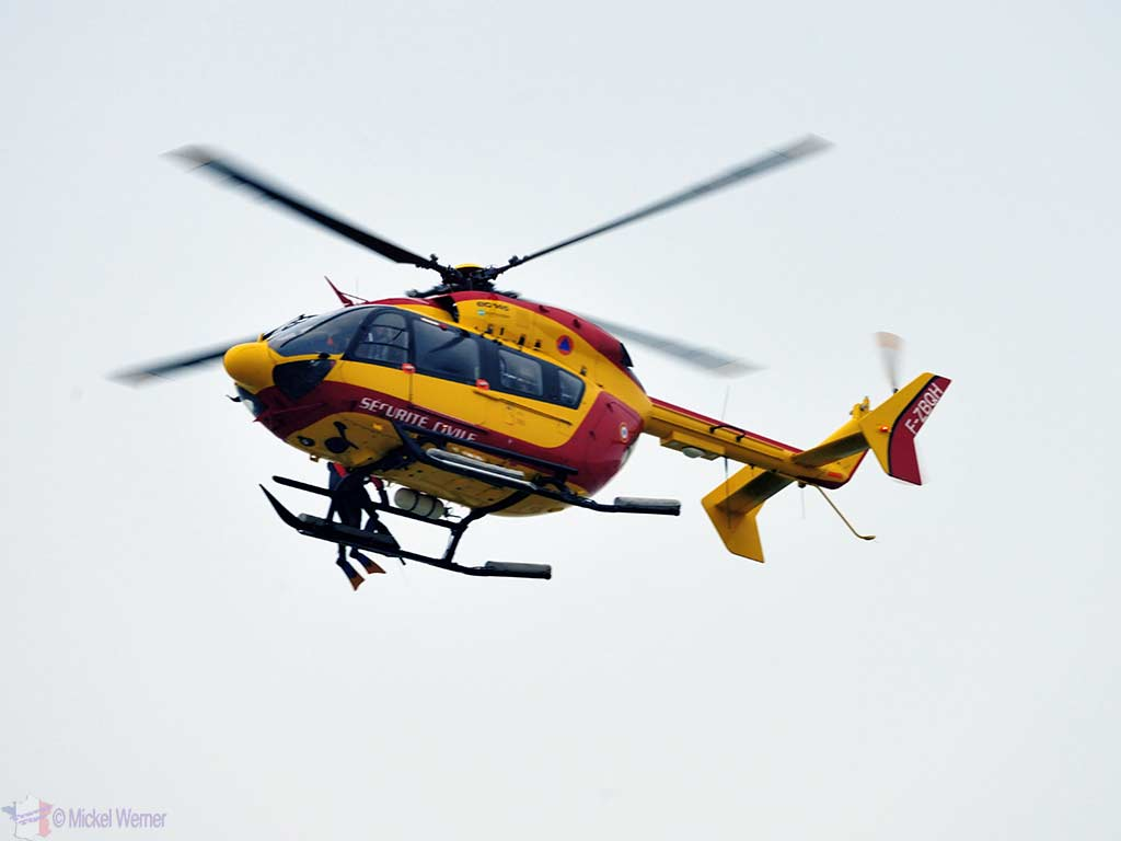 Search & Rescue Helicopter Training – Le Havre Beach
