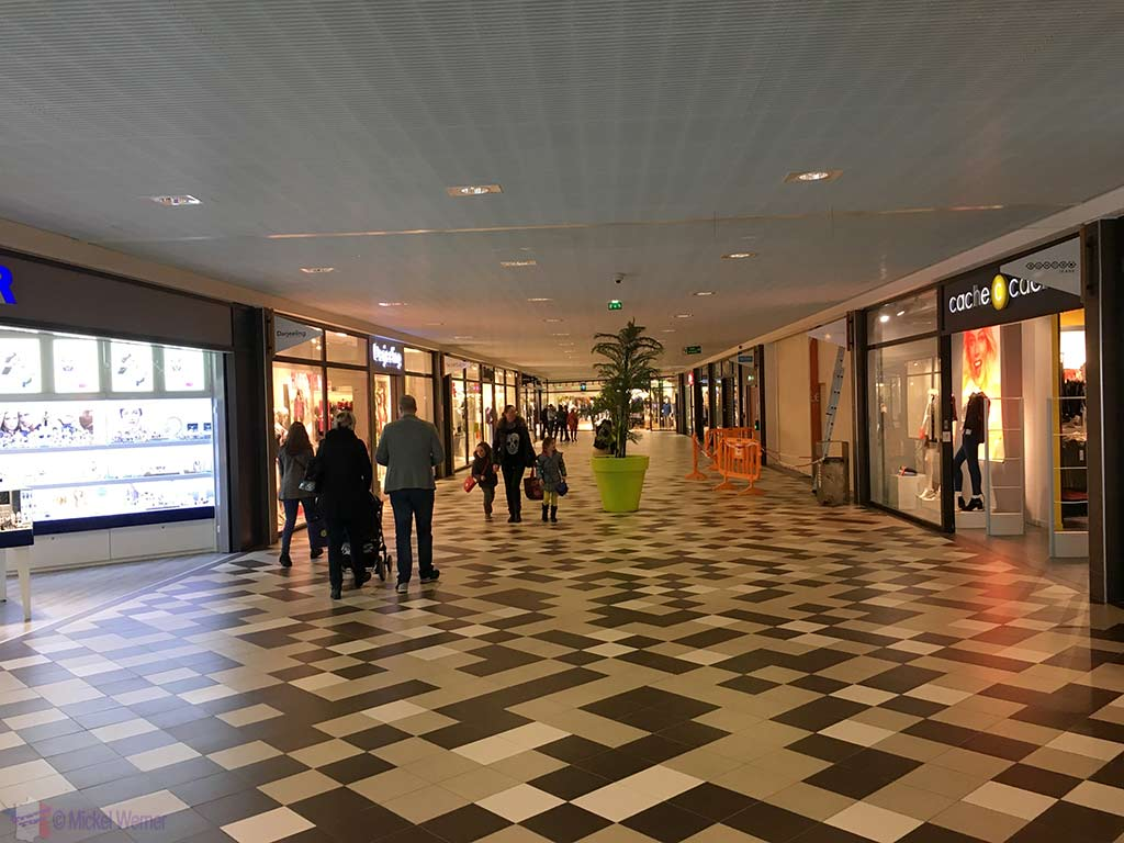 Les Eleis shopping centre