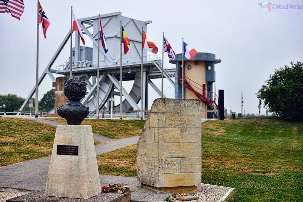 Memorial and Major John Howard statue facing the Pegasus Bridge