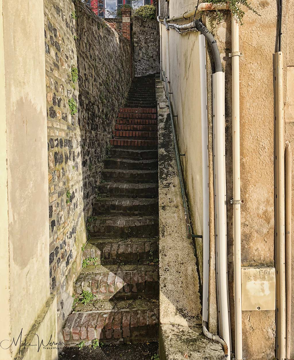"""The bottom end of the """"Rue du Grand Escalier"""" in Le Havre, Normandy"""