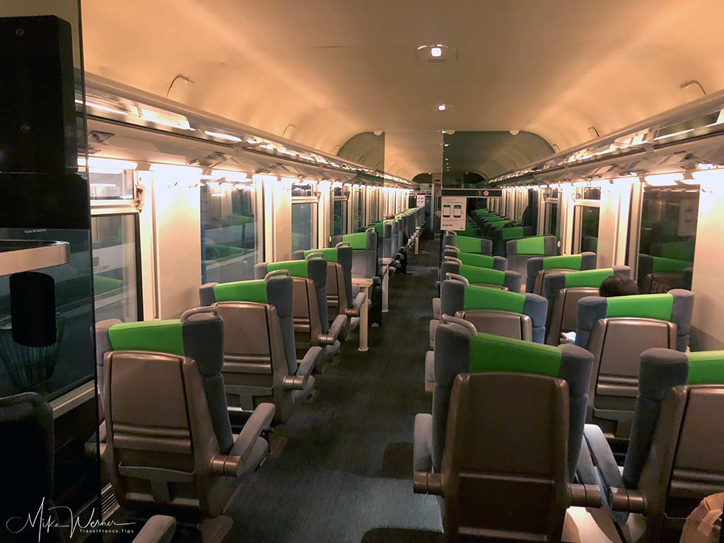 First class seating in Corail-type Intercites SNCF train