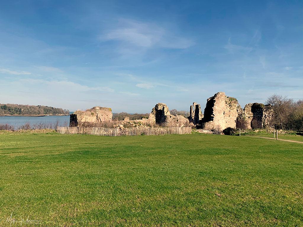 Guildo Fortress ruins in Saint-Jacut-de-la-Mer. In a field on the rocks