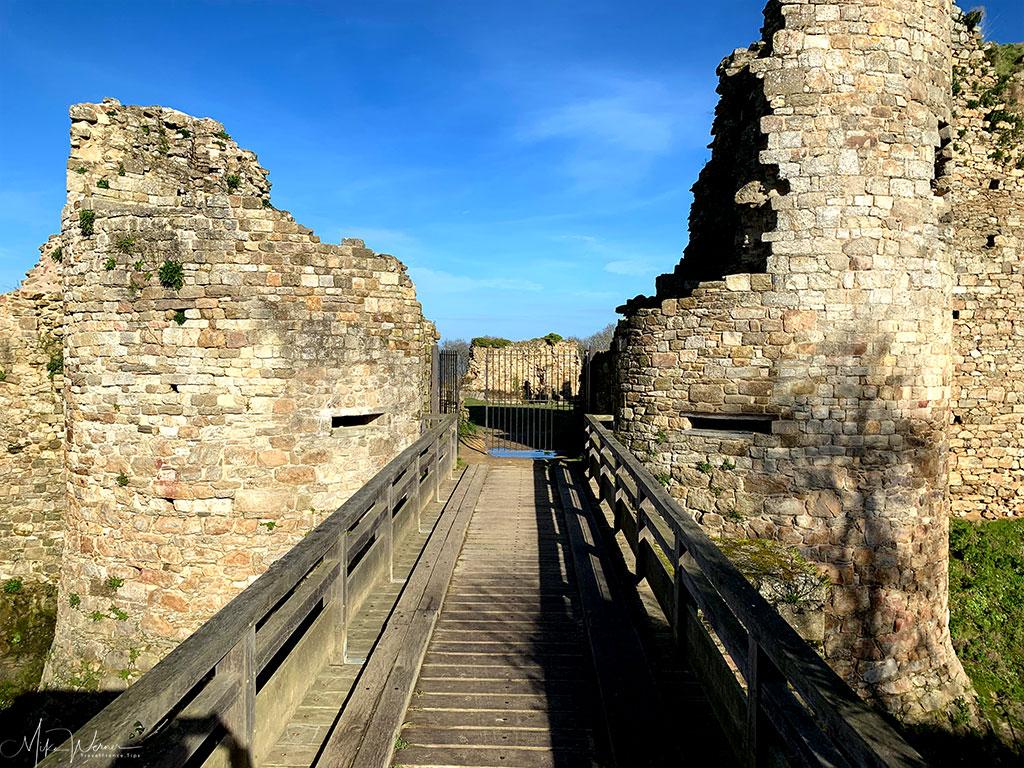 Drawbridge of the Guildo Fortress ruins in Saint-Jacut-de-la-Mer.