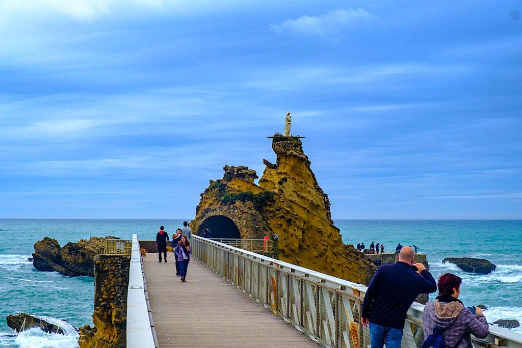 Bridge to the Rocher to Vierge