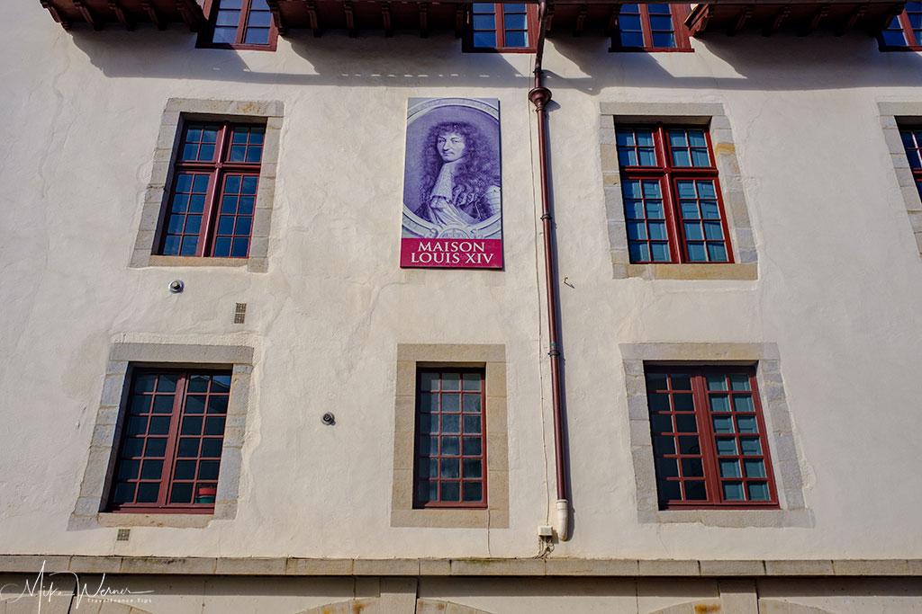 Louis XIV sign on the Maison Louis XIV in St-Jean-de-Luz