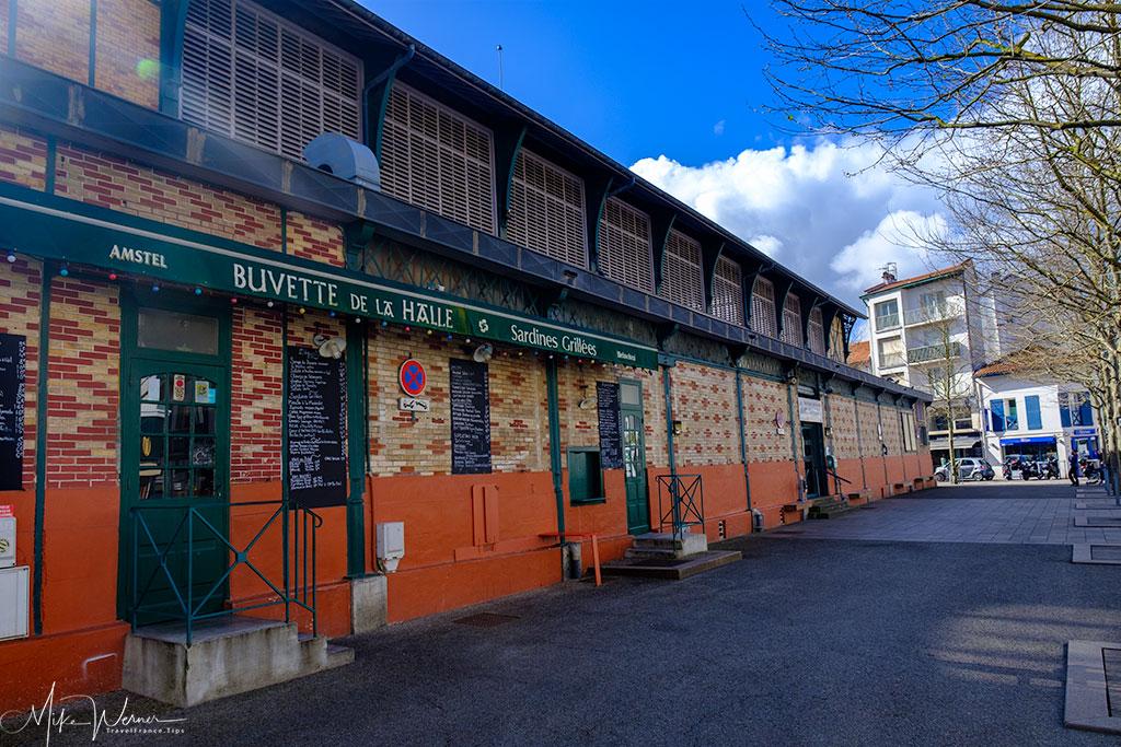 Outside the Saint-Jean-de-Luz food market