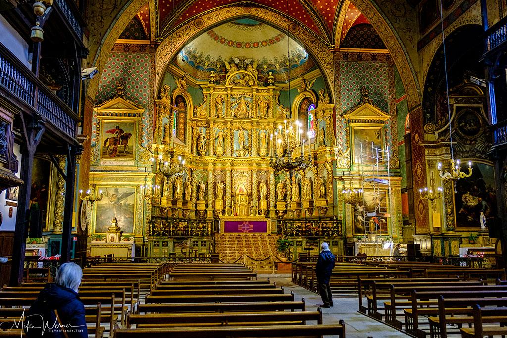 Golden altar in the Saint-Jean-Baptiste church in Saint-Jean-de-Luz